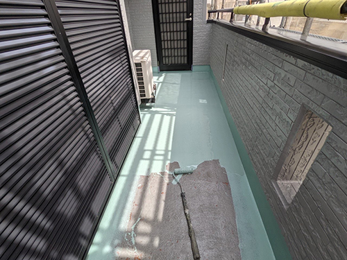 犬山市M様邸 高強度ウレタン塗膜 1層目