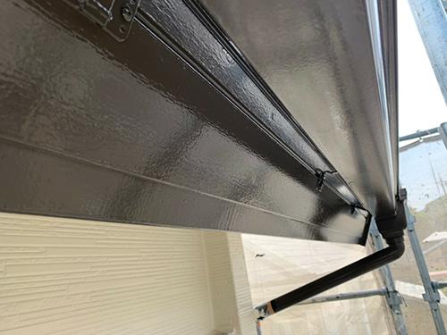 小牧市M様邸 雨樋:上塗り 完了、鼻隠し:上塗り 完了